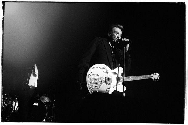 Johnny Hallyday a alterné passages intimistes et morceaux rock.