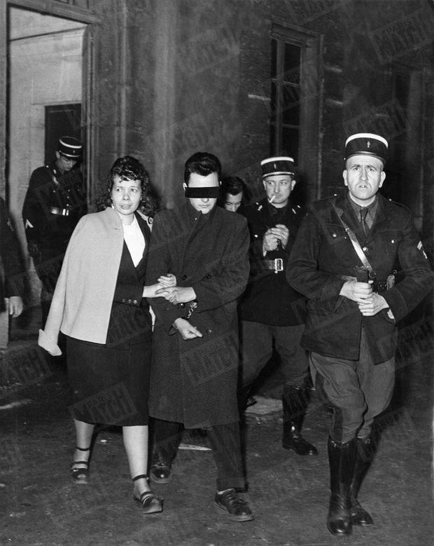 « Après le verdict, Josette Orfaure et René-Jean C..., 16 ans, se retrouvent une dernière fois dans la cour de la gendarmerie, avant de rejoindre leurs cellules. 'C'est par amour pour toi que j'ai tué', dit Josette à celui qui fut son amant. » - Paris Match n°48, 18 février 1950.