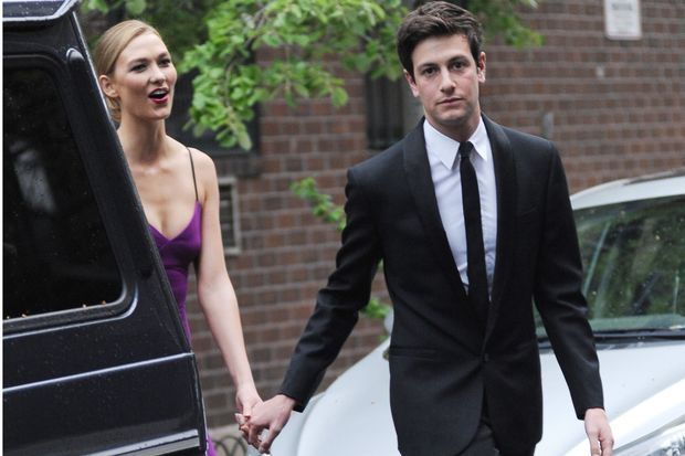 Joshua Kushner et sa compagne, le top model Karlie Kloss, en avril 2016.