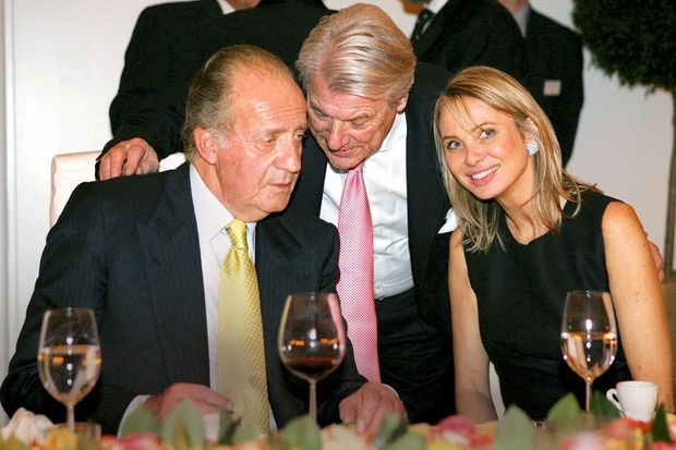 Amours. Juan Carlos et sa « tendre amie », la Danoise Corinna Larsen, le 2 février 2006 à Stuttgart.