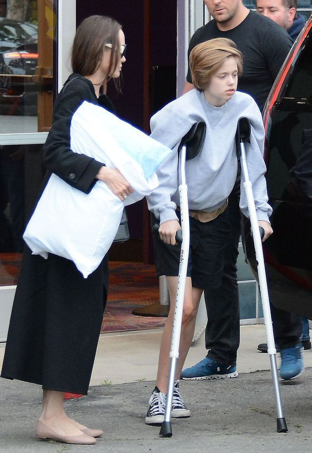 Shiloh Jolie-Pitt avec sa mère Angelina Jolie le 9 mars à Los Angeles