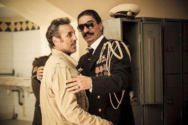 Jacky et le colonel Amanullah, incarné par Simon Abkarian.