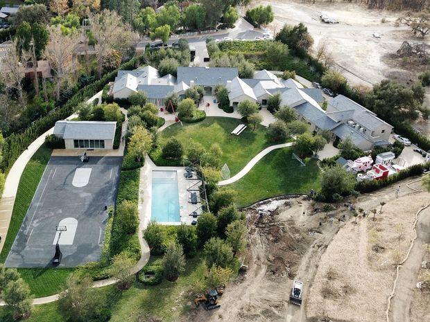 Kanye laisse à Kim le domaine de Calabasas, près de Los Angeles. Estimation : 50 millions d'euros.