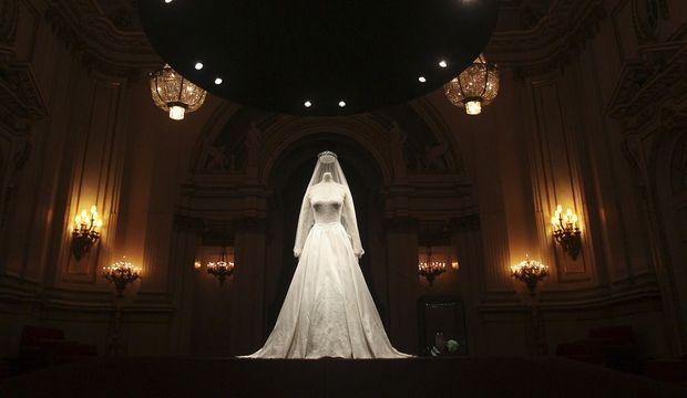 Kate robe fantôme-