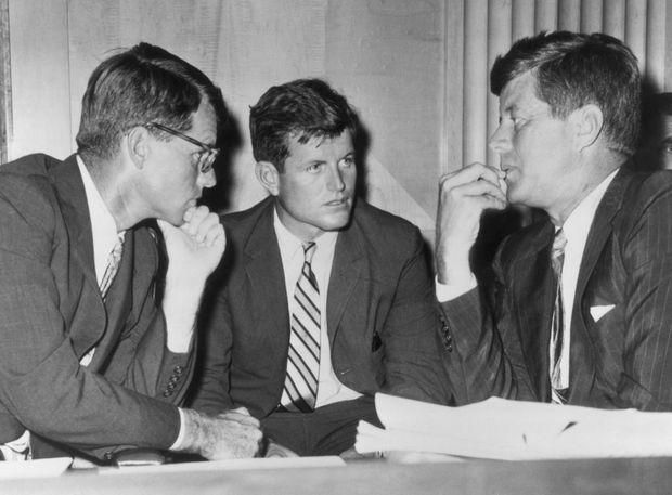 Bob, Ted et John, les frères Kennedy en 1962.