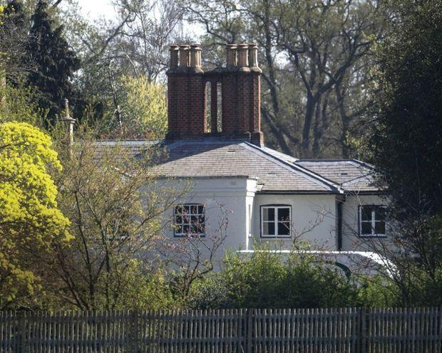 Fini, Kensington. Le 1er avril, le couple emménage à Frogmore Cottage.