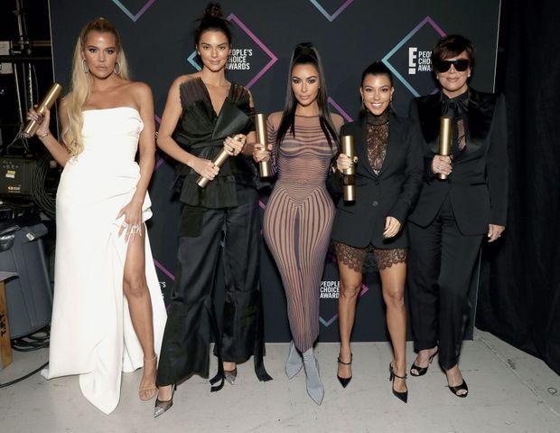 Khloe Kardashian, Kendall Jenner, Kim Kardashian, Kourtney Kardashian et Kris Jenner, le 11 novembre 2018 à Santa Monica, en Californie.