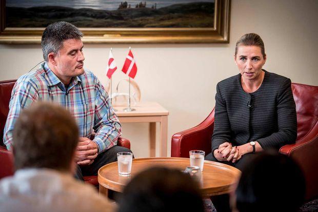 Le Premier ministre groenlandais Kim Kielsen et la Première ministre danoise Mette Frederiksen lors d'une conférence de presse à Nuuk, le 19 août 2019.