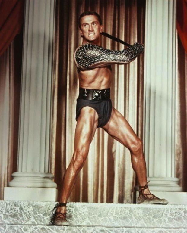 Kirk Douglas et son subligaculum dans « Spartacus », en 1960.