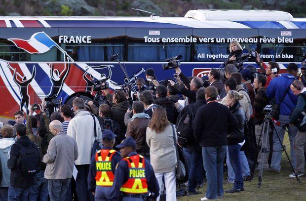 Le bus dans lequel les Bleus se sont enfermés, à Knysna le 20 juin 2010.