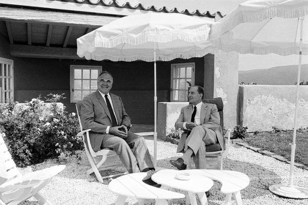 Helmut Kohl et François Mitterrand à Brégançon, le 24 août 1985.