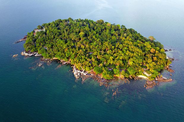 Krabey_Island_aerial_view_[7384-LARGE]