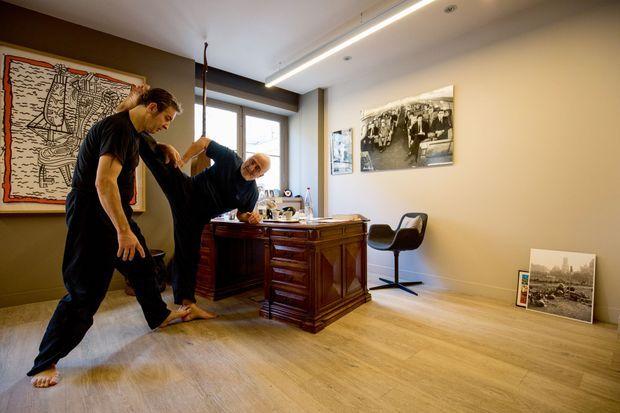 Pour se maintenir en forme, Guy Savoy prend des leçons d'arts martiaux.