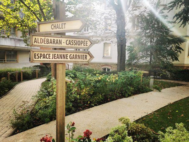 Jardin de la maison médicale Jeanne Garnier.