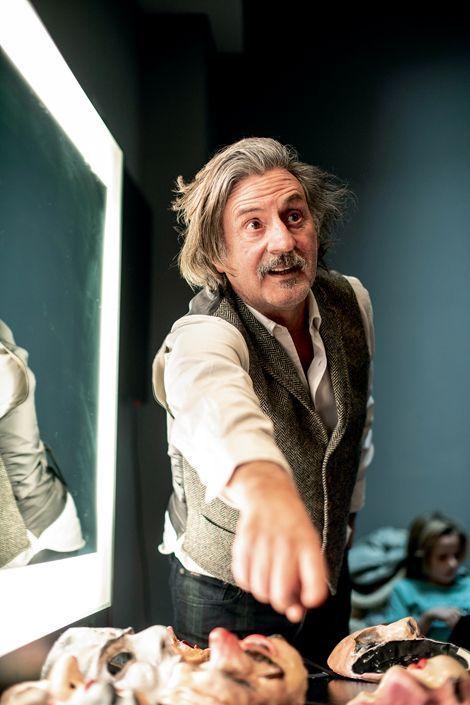 L'acteur retrouve le Théâtre de Paris, où il a déjà mis en scène « L'envers du décor », de Florian Zeller.