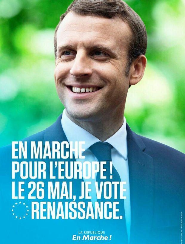 Combien ça coûte --?  L-affiche-de-LREM-avec-Emmanuel-Macron_original_backup