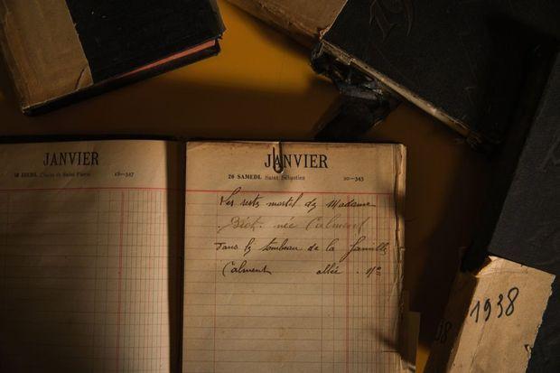 . L'avis de décès d'Yvonne, en 1934. Des invitations à la veillée funèbre ont été lancées pour se recueillir autour du corps.