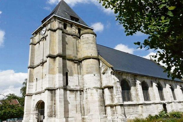 L'église de Saint-Etienne-du-Rouvray remonte au XVe siècle.