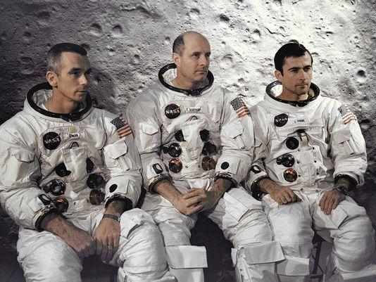 L'équipage d'Apollo 10: Eugene A. Cernan, Thomas P. Stafford et John W. Young