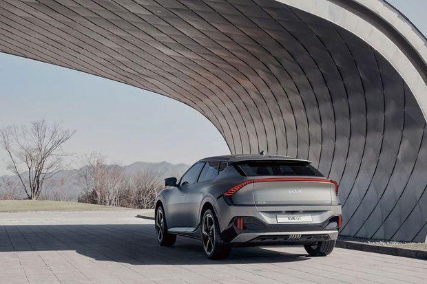 L'EV6 dispose d'une batterie de 77,4 kWh lui assurant plus de 500 kilomètres d'autonomie