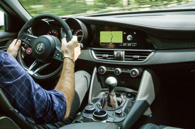L'intérieur de l'Alfa Giulia Quadrifoglio