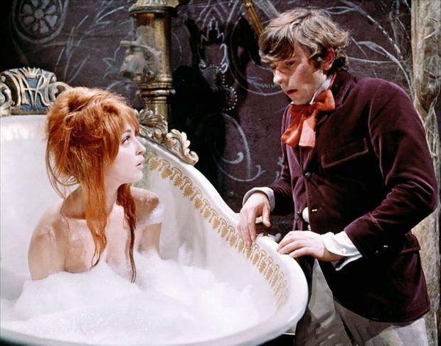 La célèbre scène du bain avec Roman Polanski, dans « Le bal des vampires » (1967).