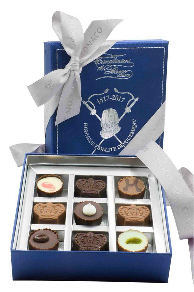 La chocolaterie de Monaco a édité un coffret spécial pour le bicentenaire des Carabiniers