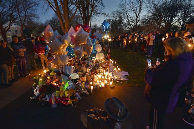 La communauté de Crystal lake rend hommage au petit A.J.