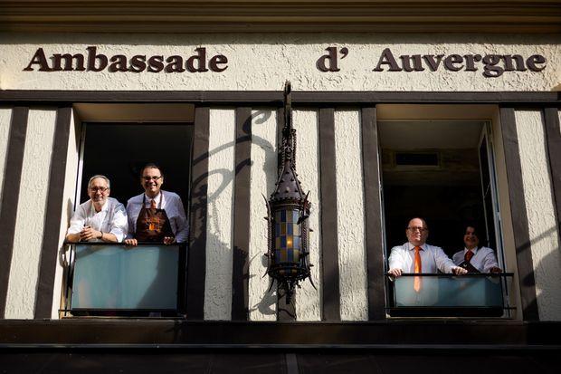 La diplomatie à table… et la gastronomie de « L'Ambassade d'Auvergne ».