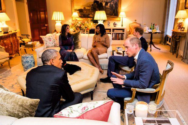 La drawing room: un des salons de Kensington. Ils y reçoivent Barack et Michelle Obama en 2016.