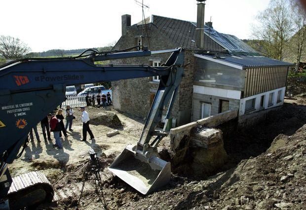 La maison belge de Sart-Custinne, en avril 2005. Les fouilles resteront infructueuses