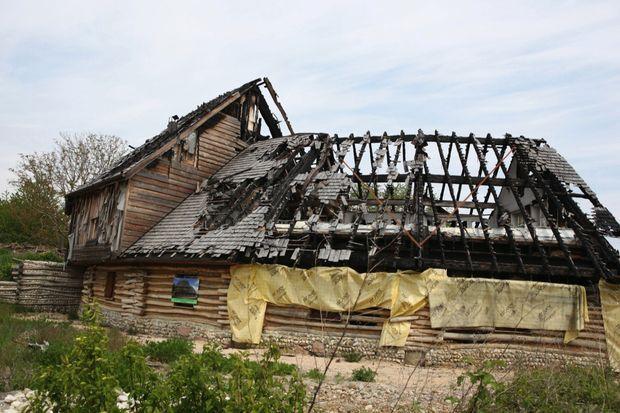 La Maison des natures et des cultures détruite par un incendie criminel.