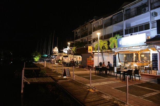 La marina du Gosier, haut lieu des sorties entre amis, comme les Guadeloupéens ne l'ont jamais vue. Le 26 septembre, à 21 heures.