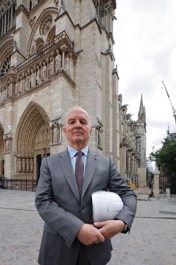 La mission du général Georgelin : superviser le chantier de la cathédrale.