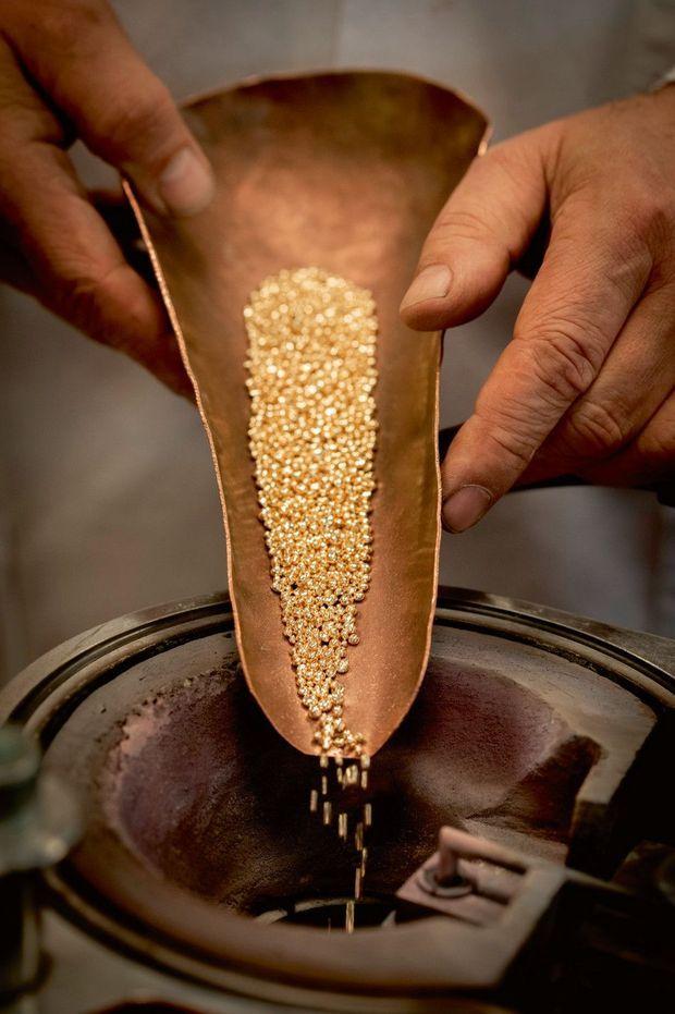 La Palme devient verte en 2014. Cette année-là, Chopard décide de la façonner en or éthique, certifié «Fairmined»