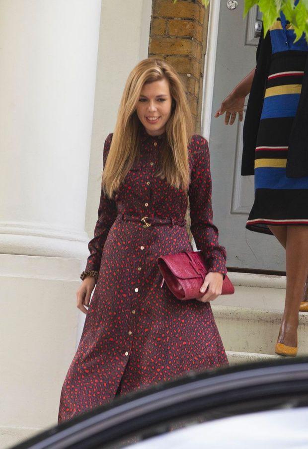 La petite amie de Boris Johnson, Carrie Symonds, près du domicile du couple à Londres, le 12 juin.