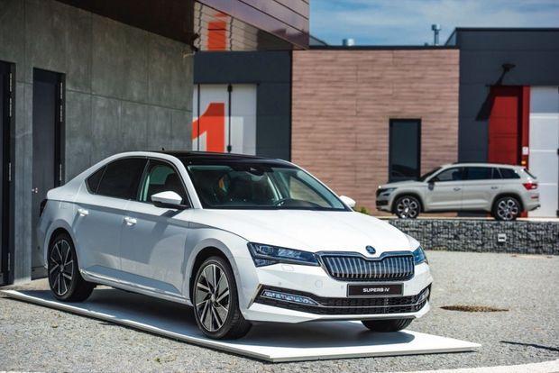 La Superb est la première Skoda à bénéficier d'une motorisation hybride rechargeable. Elle est accessible pour moins de 40 000 €.
