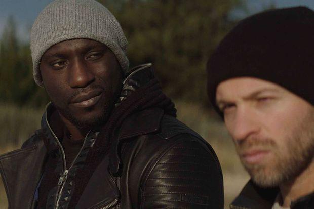"""Moussa Mansaly et Franck Gastambide dans """"La Surface de réparation"""" de Christophe Régin en 2018."""