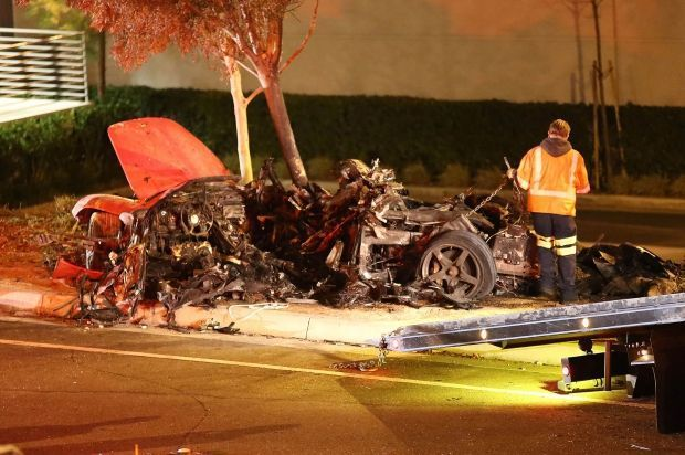 La voiture dans laquelle se trouvait Paul Walker, après le drame.