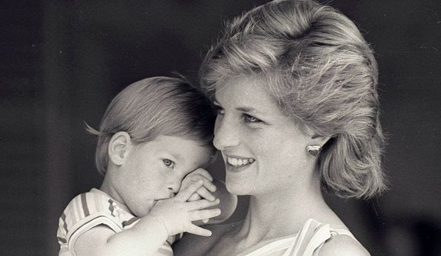 Lady Diana et son petit prince Harry -