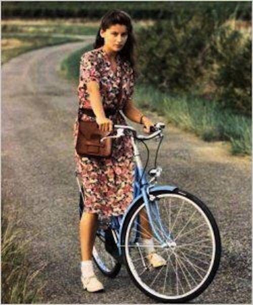"""Laetitia Casta dans """"La Bicyclette bleue"""""""