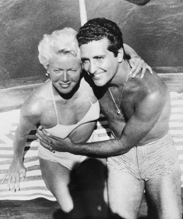 Lana Turner et Johnny Stompanato en vacances au Mexique, quelques semaines avant le drame.