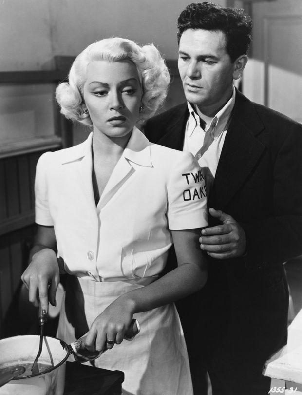 Lana Turner dans son plus grand rôle, « Le facteur sonne toujours deux fois » en 1946, aux côtés de John Garfield.
