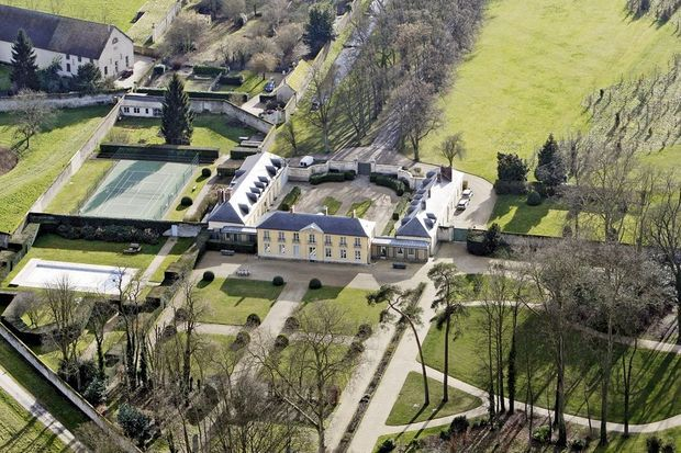 Le domaine historique des Premiers ministres français est devenu, sous les mandats de Nicolas Sarkozy et de François Hollande, une résidence secondaire appréciée par les présidents.