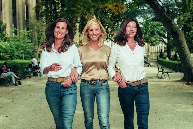 Trois soeurs. Laurence et ses cadettes Emmanuelle (à g.) et Sophie, toutes deux conseils en communication. La mort de leur mère les a profondément soudées.