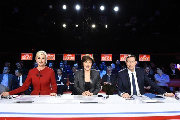 Laurence Ferrari, Ruth Elkrief et Laurent Neumann, avant le débat de la primaire de la gauche, dimanche soir.