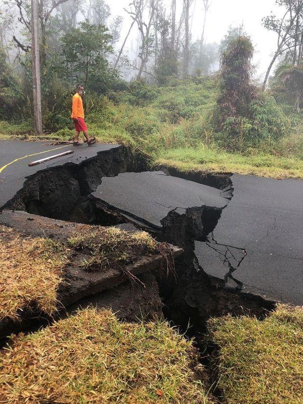 Le 17 mai, après le tremblement de terre et ses répliques.