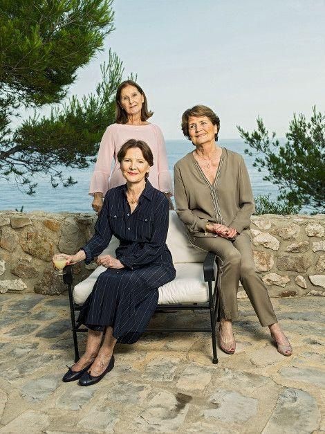 Le 23 juin. Michèle (debout), Danièle et Béatrice, les trois filles de Paul et Marie-Thérèse Ricard.