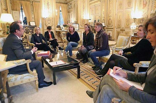 Le 29 janvier, François Hollande reçoit les deux avocates de Jacqueline Sauvage et ses trois filles à l'Elysée.
