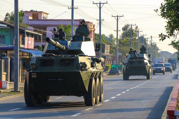 Le 3 février, après la destitution de «The Lady », les blindés débarquent à Myitkyina (province de Kachin).